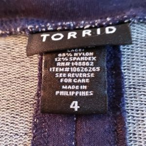 Torrid TOP..SHORT SLEEVE with pleat in back.plus s